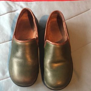 Dansko size 39 women's shoes